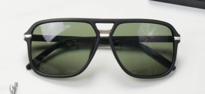 Αν ψάχνεις πιο εναλλακτικό σχέδιο για κάθε ώρα, επίλεξε aviator γυαλιά
