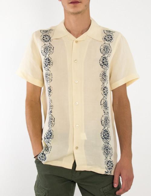 Ανδρικό εκρού λινό πουκάμισο με τύπωμα STK1037