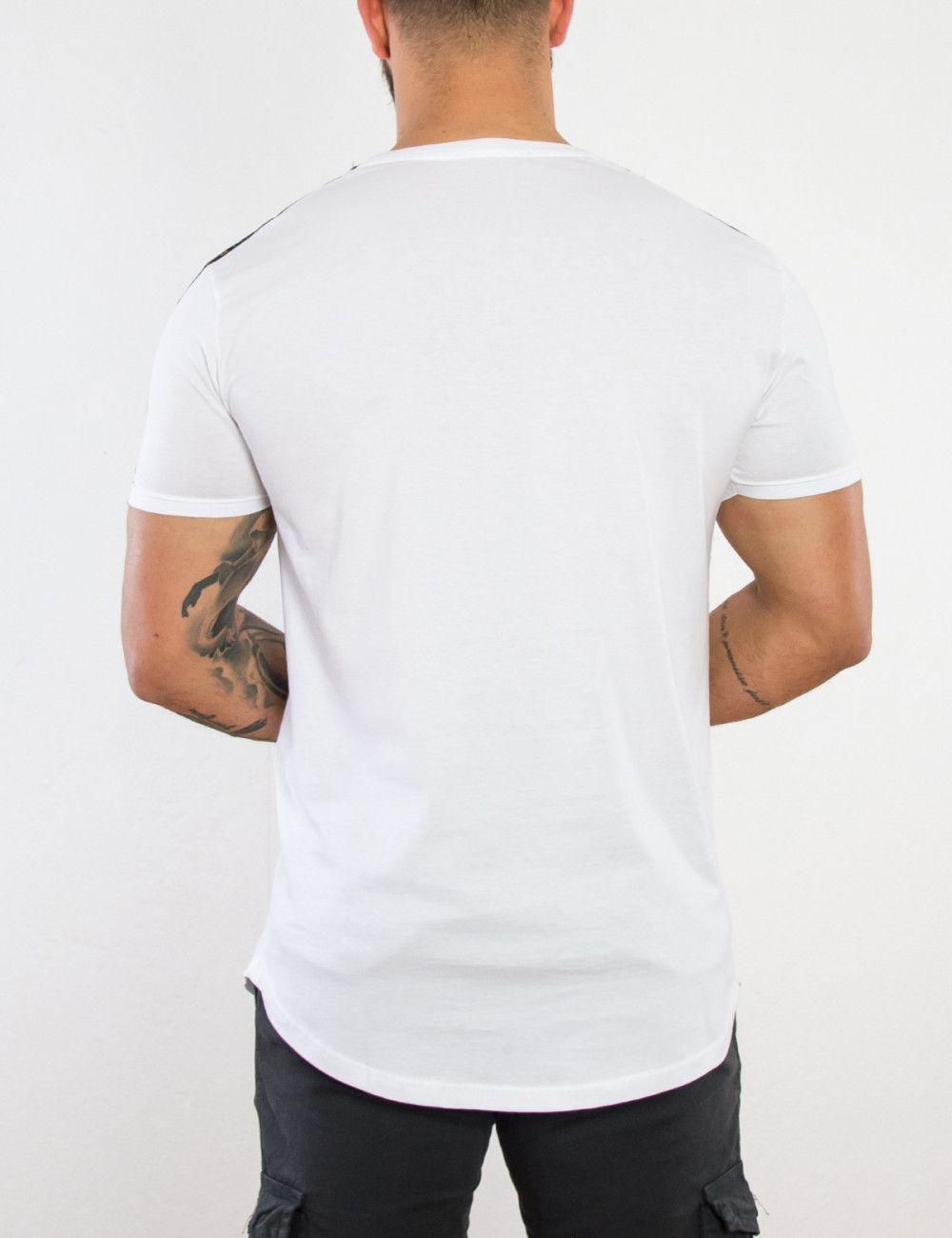 Ανδρικό λευκό Tshirt με διχρωμία The Real Brand 06409