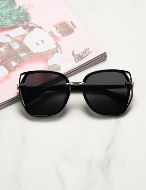 Γυναικεία μαύρα πολυγωνικά γυαλιά ηλίου με κοκκάλινο σκελετό Premium  S1110