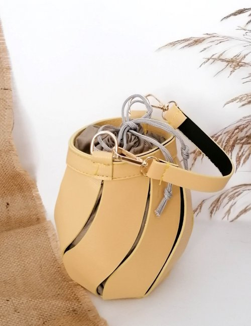 Γυναικείο κίτρινο τσαντάκι πουγκί 210347D