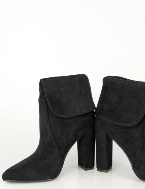Γυναικεία μαύρα μυτερά μποτάκια 1905101