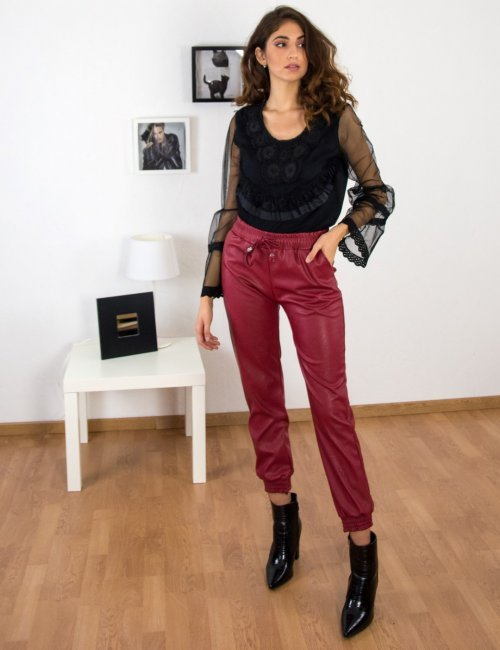 Γυναικεία μαύρη μπλούζα με τούλινη διαφάνεια XS7896
