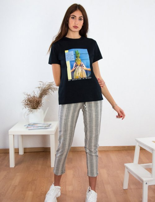 Γυναικείο μαύρο βαμβακερό Tshirt με τύπωμα 2021198E